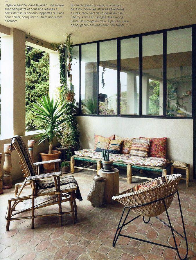 Inspirez vous de vos voyages pour vous am nager un joli salon ethnique chic en terrasse deco - Salon ethnique chic ...