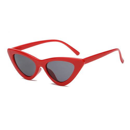 869bac6e68b23 Óculos gatinho (cat eyes) retrô vermelho. O óculos favorito da Kendall  Jenner e Gigi Hadid.