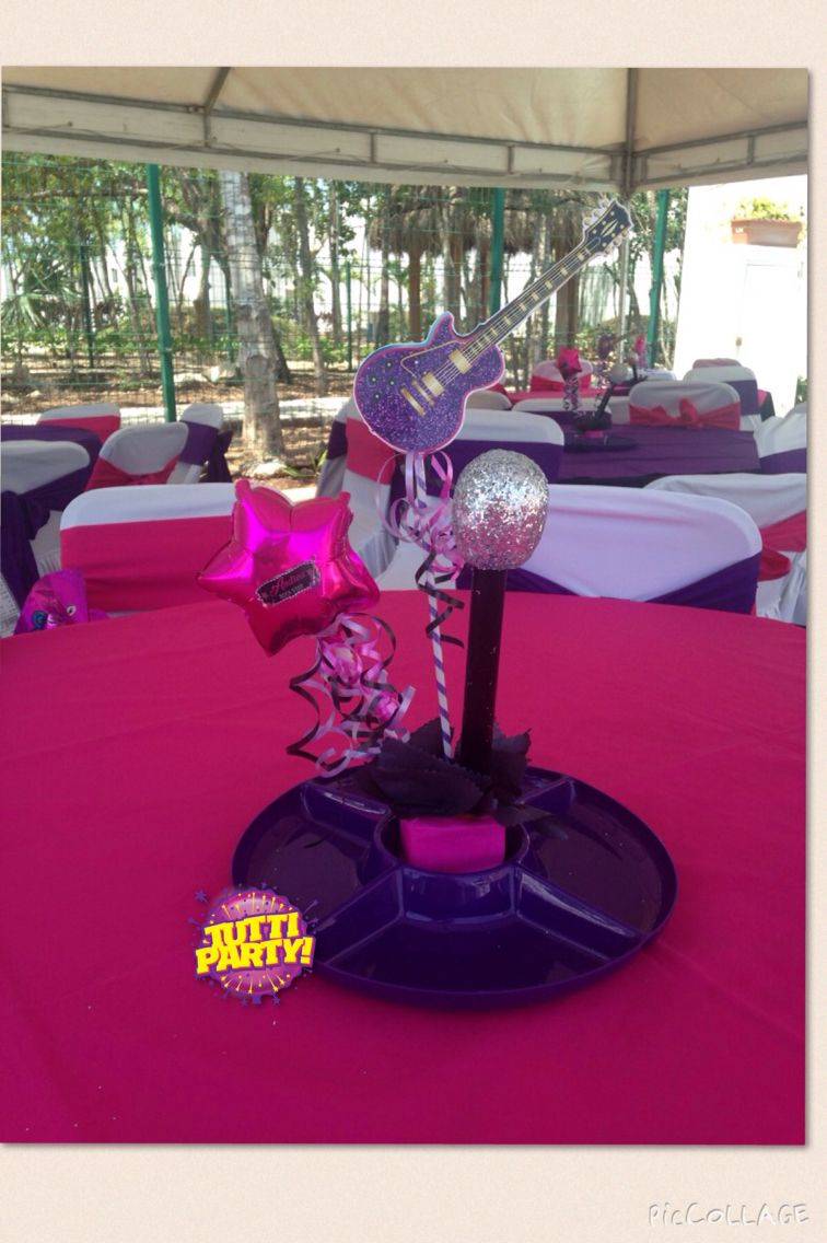 Rock Star Party centerpiece, snacks centertable, rockstar party, teens Party ideas #tuttiparty