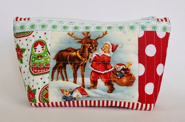 Sew Delicious: Christmas Zip Pouches