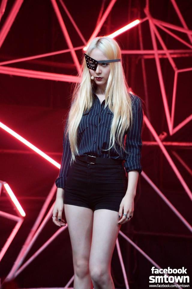 Krystal fx | F(x) Stage Outfit | Pinterest | Krystal fx ...