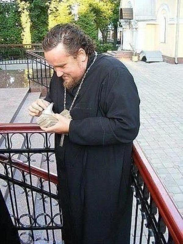 Картинка священников прикол