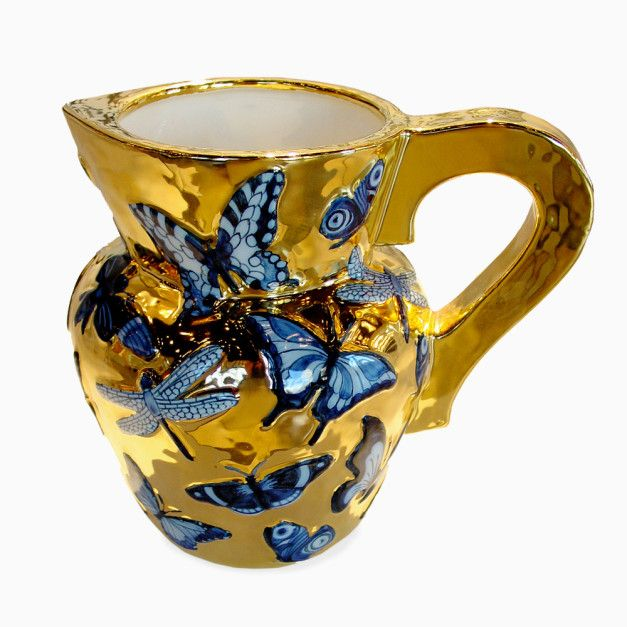 Studio Job's Golden Still Life collection is a family of hand-painted and richly gilded earthenware objects, each one a signed and numbered limited edition of 8 pieces.