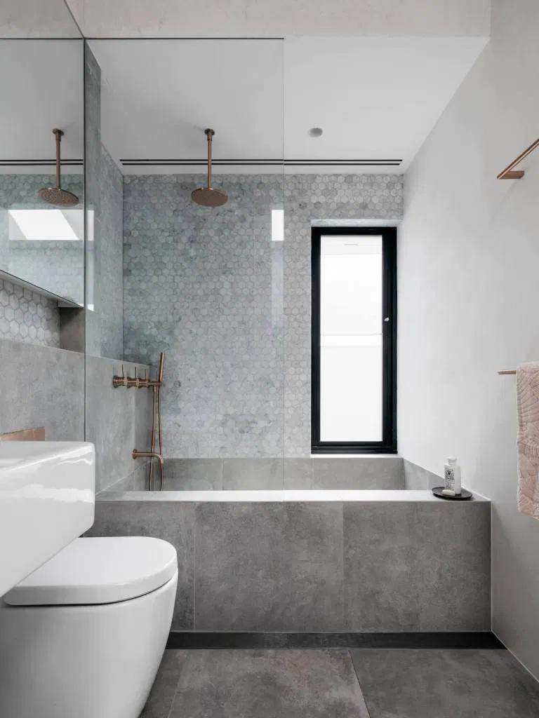 Photo of Come arredare un piccolo bagno: 7 segreti dell'architetto per arrivare in cima