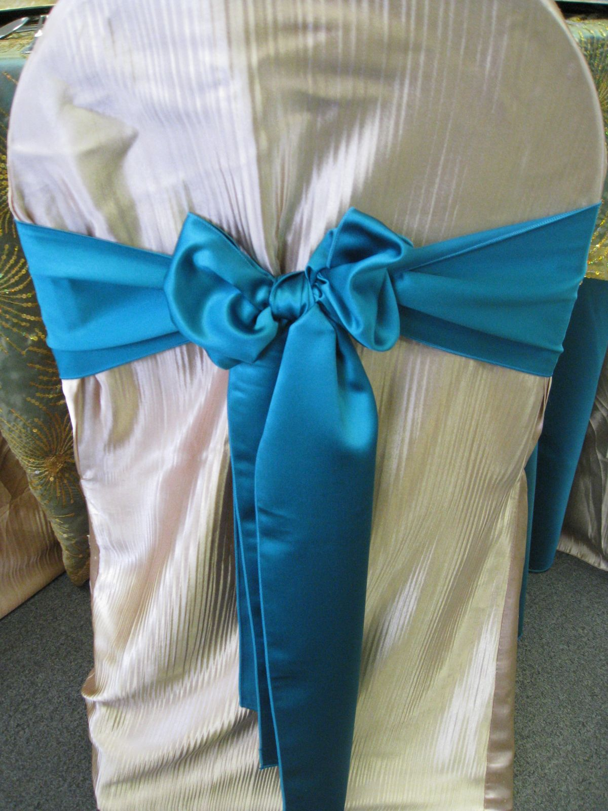 Middle back tight bow party rentals taylor rental auburn
