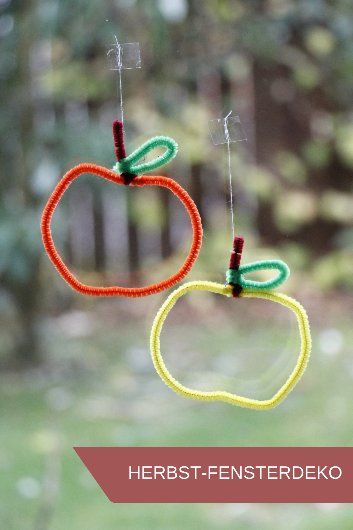 Geschenkanhänger oder Herbst-Fensterdeko: Äpfel aus Pfeifenreiniger #herbstfensterdekokinder