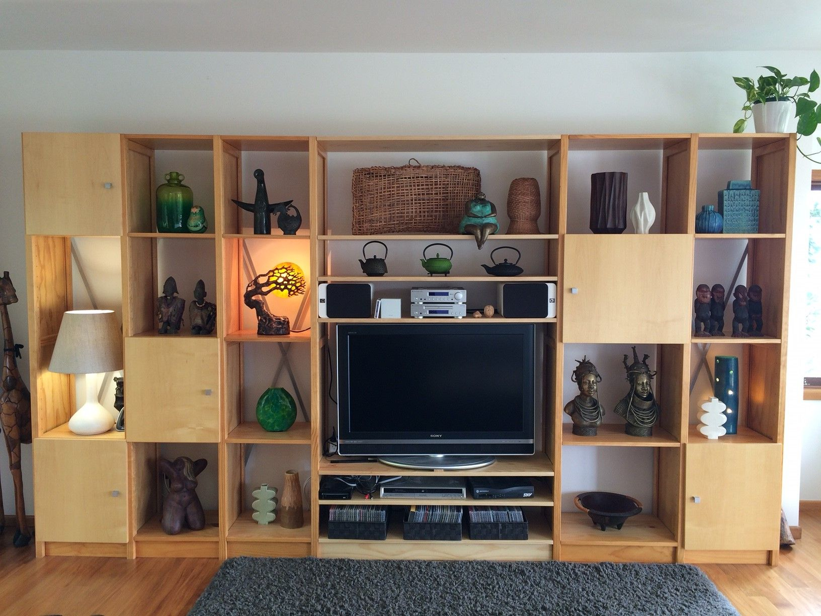 Lundia Tv Kast.Jane S Lounge Unit Reconfigured For A Larger Tv By Lundia