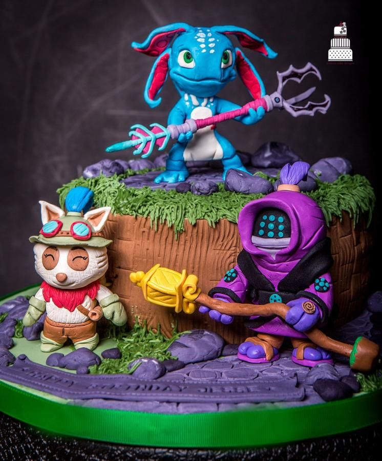 Quot League Of Legends Quot Cake By Anni A2creative Modelov 225 N 237 Pinterest Cake Birthday Cakes