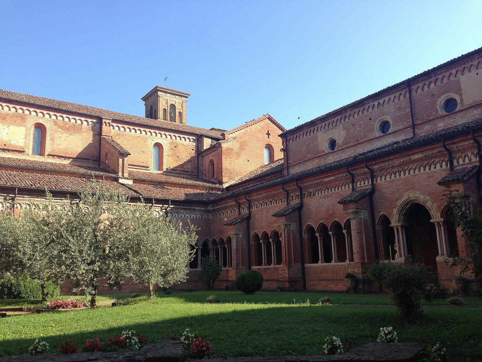 13th c.-14th c. Cloister, Abbazia di Chiaravalle della ...