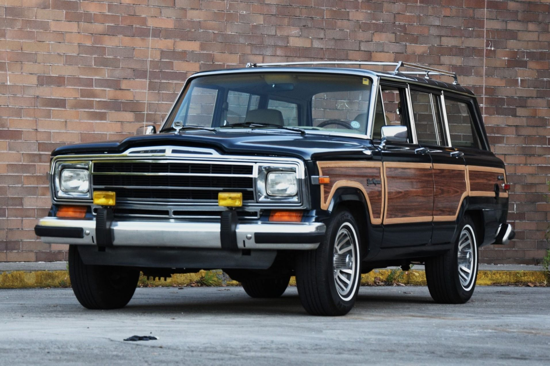 1989 Jeep Grand Wagoneer In 2020 Jeep Jeep Grand Classic Cars Online