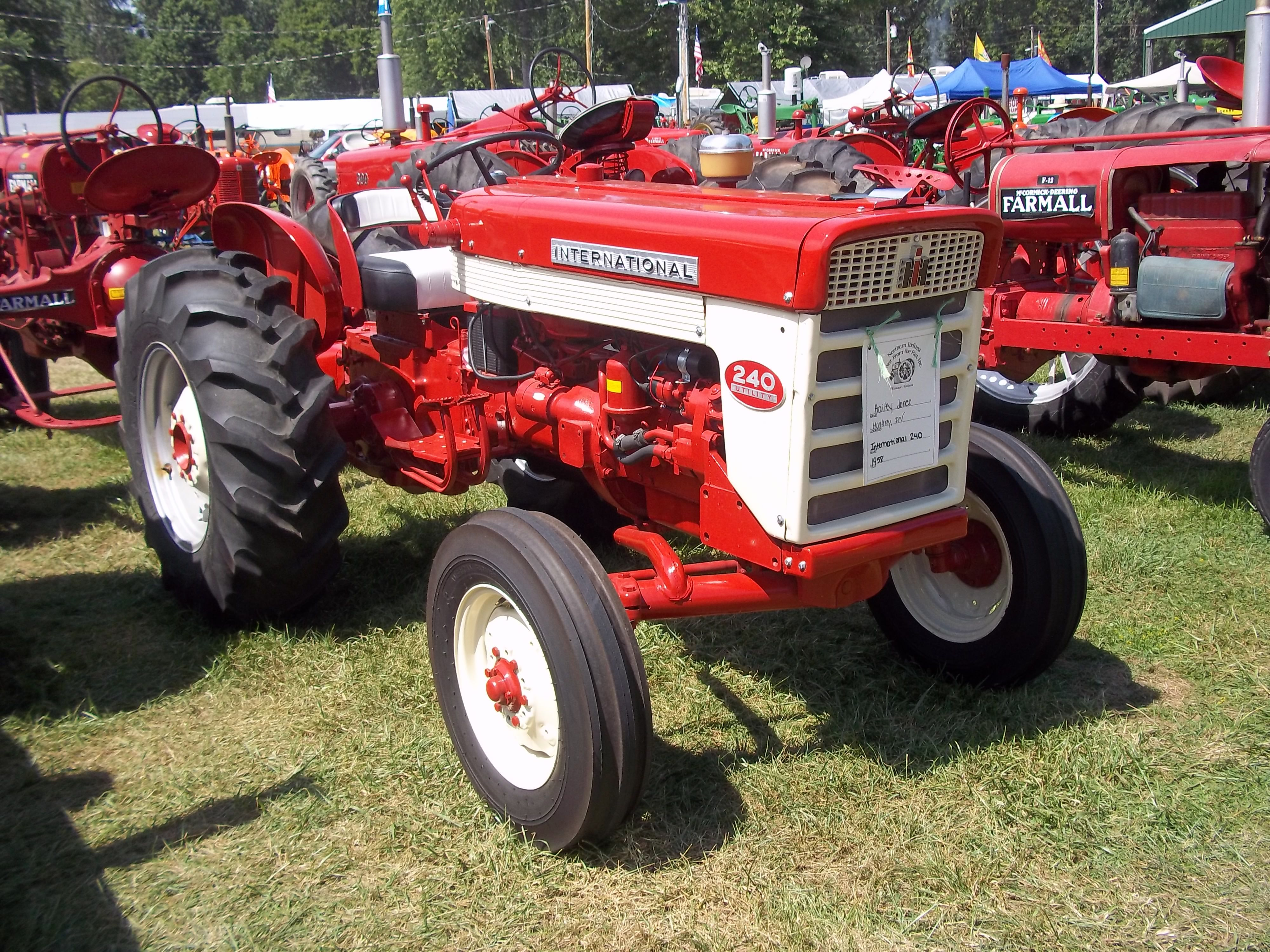 International 240 utility tractor