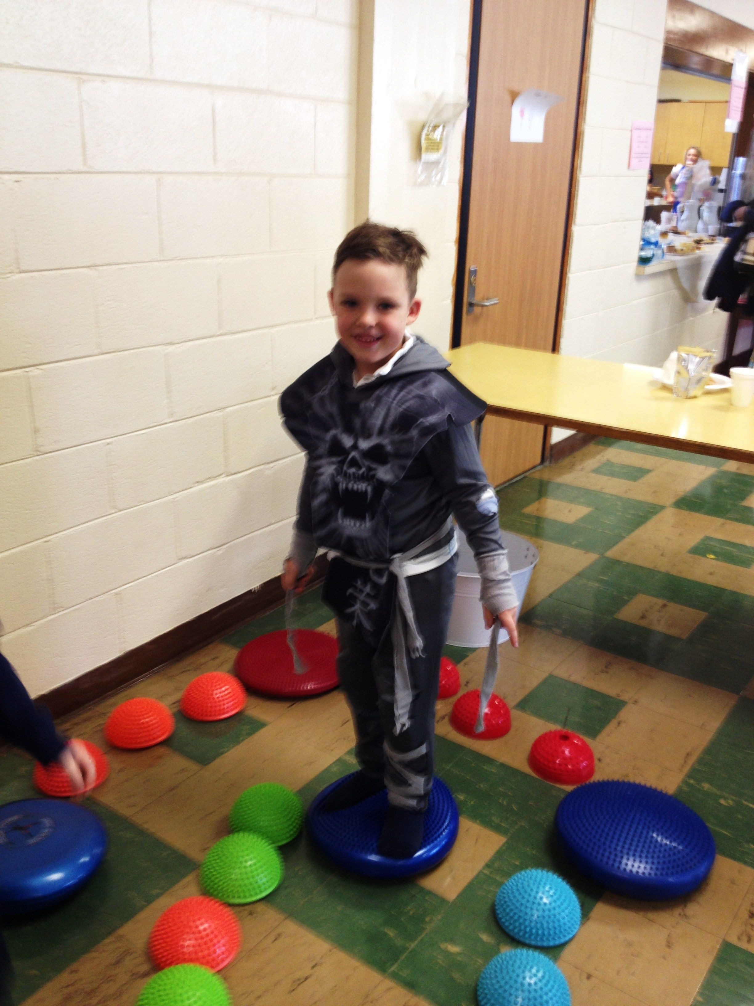 Balance and physical therapy - Balance Pods Obstacle Game