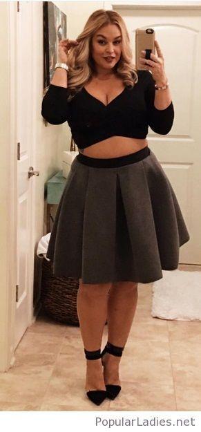 amazing-plus-size-fashion-black-blouse-grey-skirt | popularladies