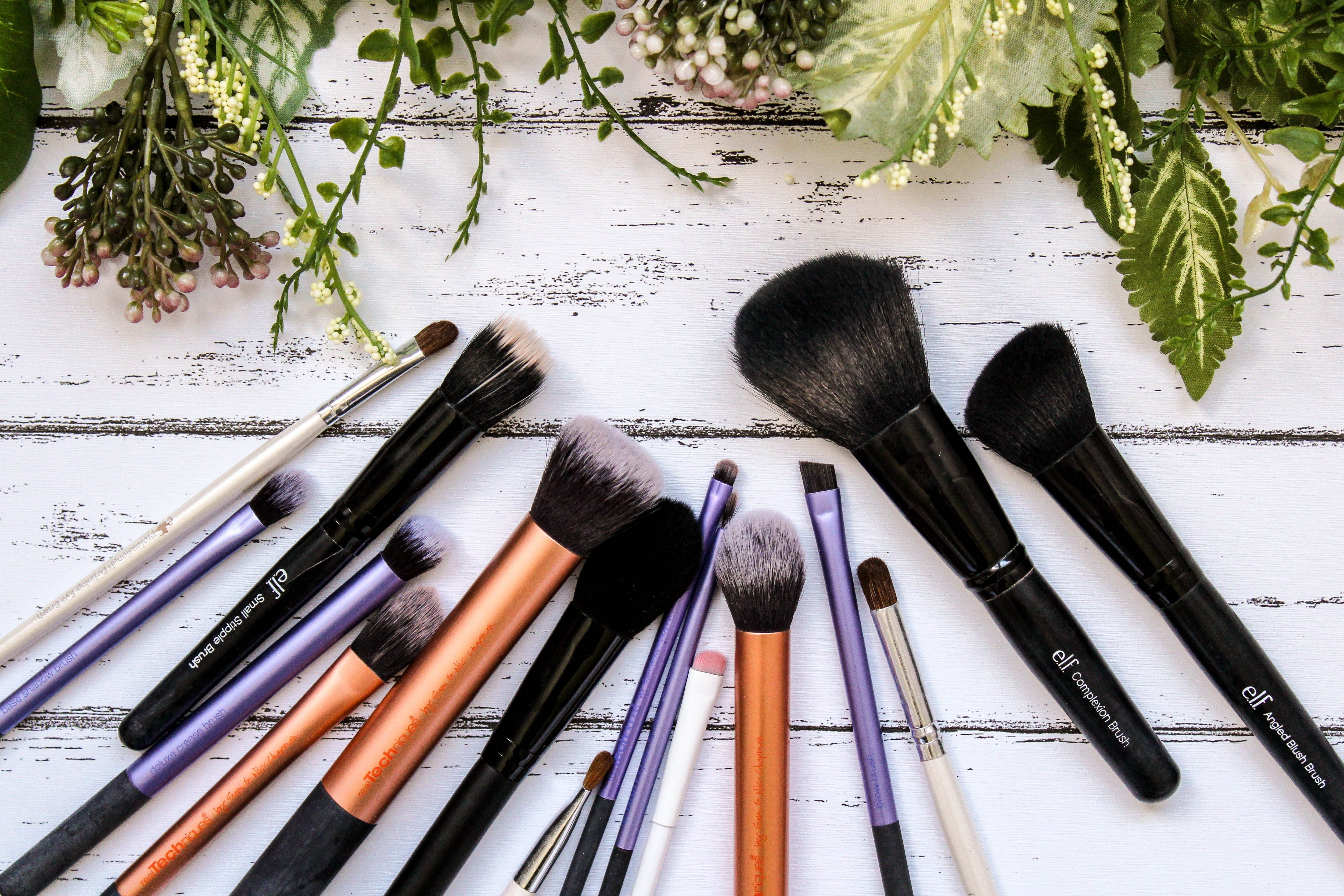 The Complete Guide To Makeup Brushes Makeup brushes