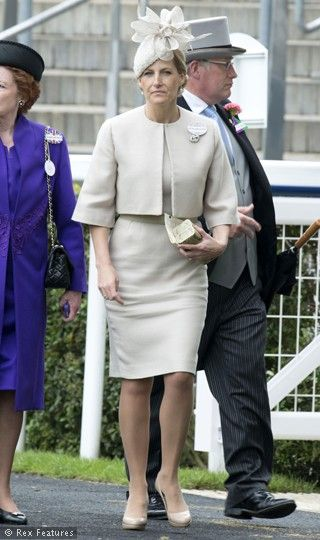 Royal Ascot Races 2012, Berkshire  Sophie Countess Of Wessex. So chic!