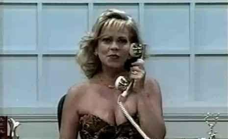 """O programa """"Alô, Christina?"""", em que ela te ligava e você não podia falar apenas """"alô"""", tinha que falar """"alô, Christina"""" para ganhar os prêmios."""