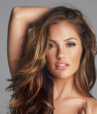 I want the highlights in her hair! And the layers!