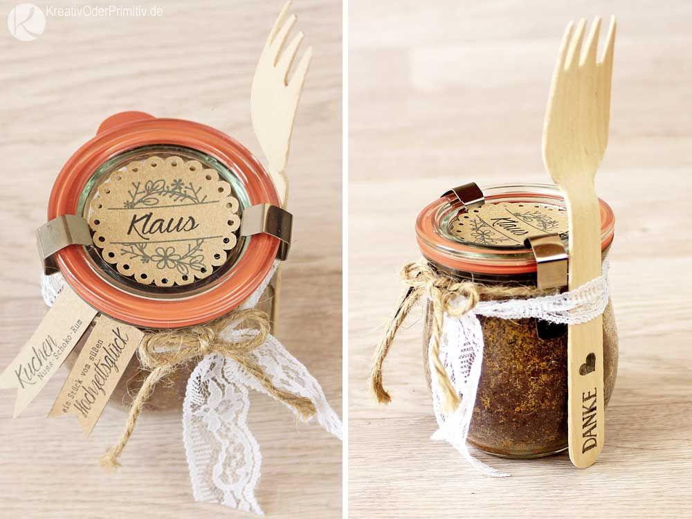gastgeschenk platzkarten namenskarten kuchen im glas einmachglas marmelade hochzeitskuchen. Black Bedroom Furniture Sets. Home Design Ideas