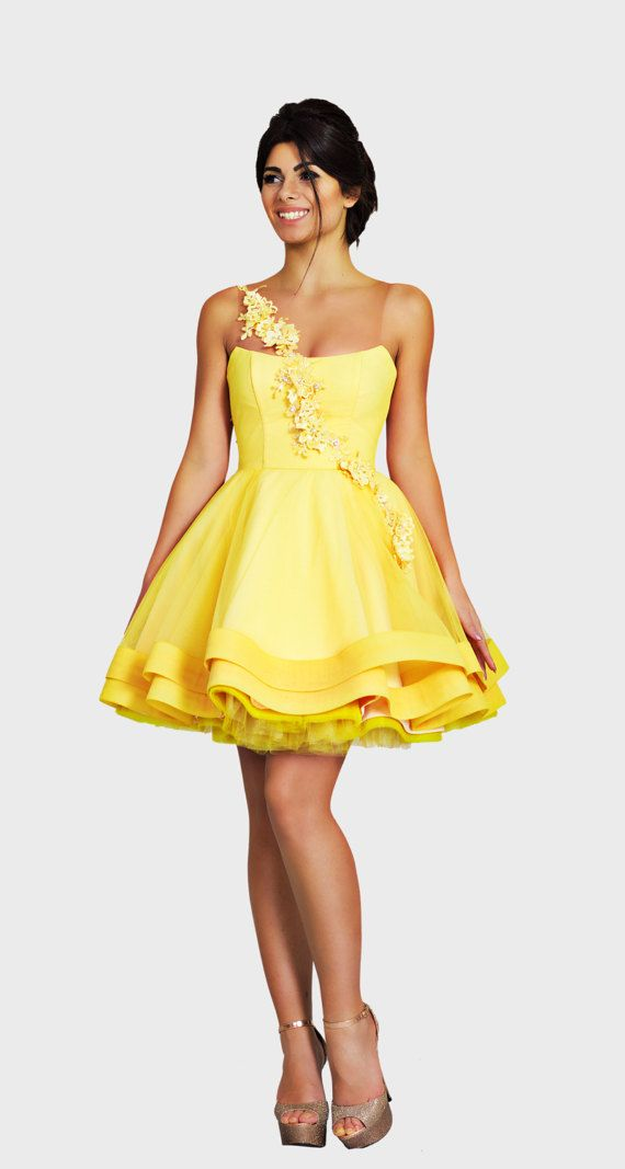 8276ade15557 Yellow prom dress