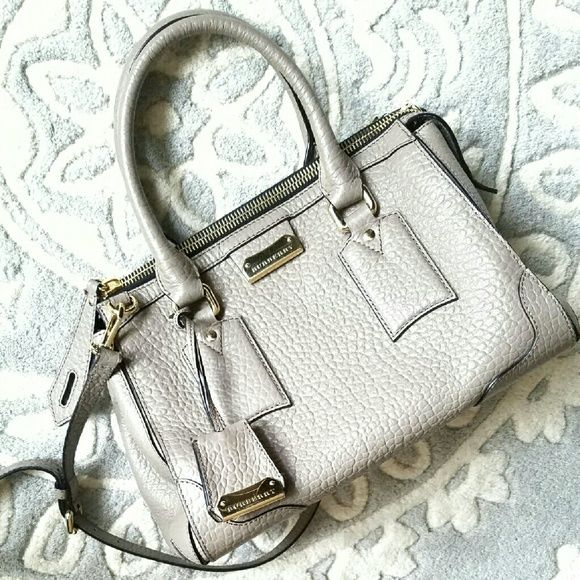 7d6500d3f8e8 COMING SOON Burberry Handbag AUTHENTIC Heritage Grain Leather Small  Gladstone Pale in Taupe rolled leather top