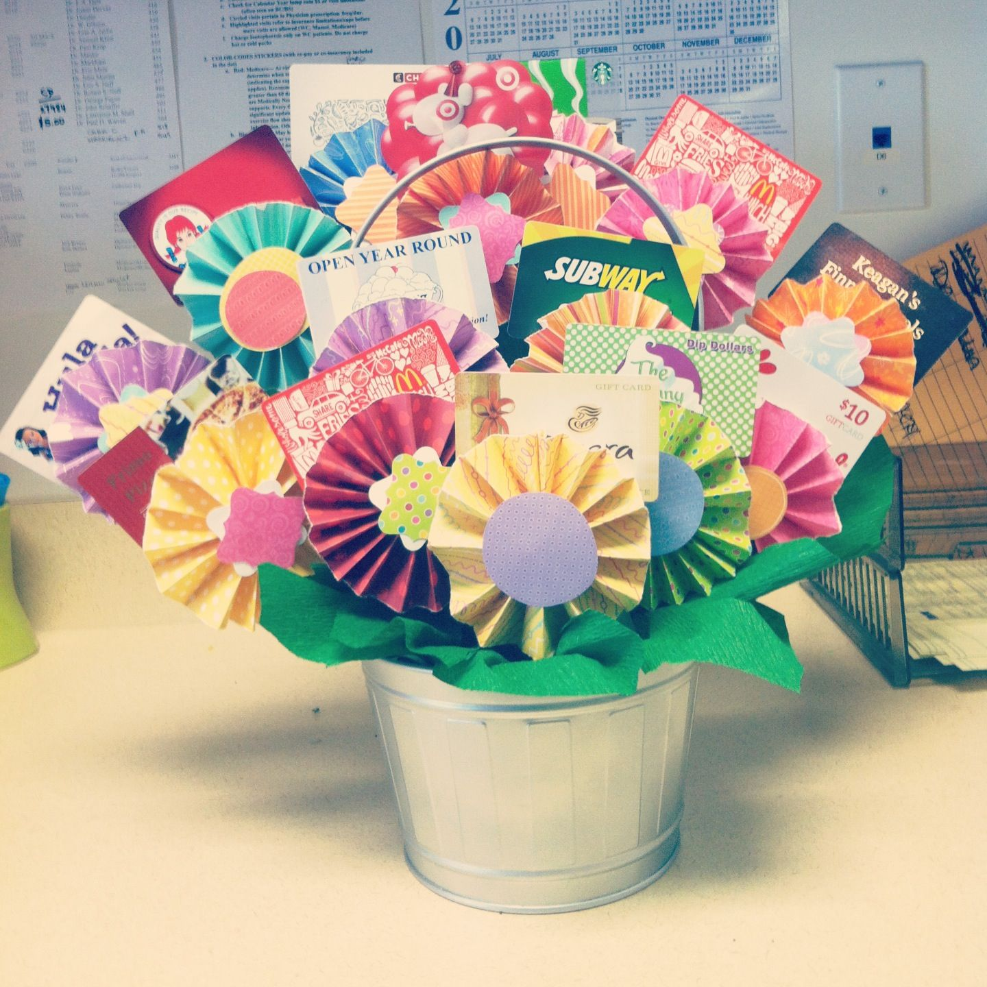 Gift card tree for baby shower - Diy Flower Gift Card Basket Using Accordion Fold Flowers