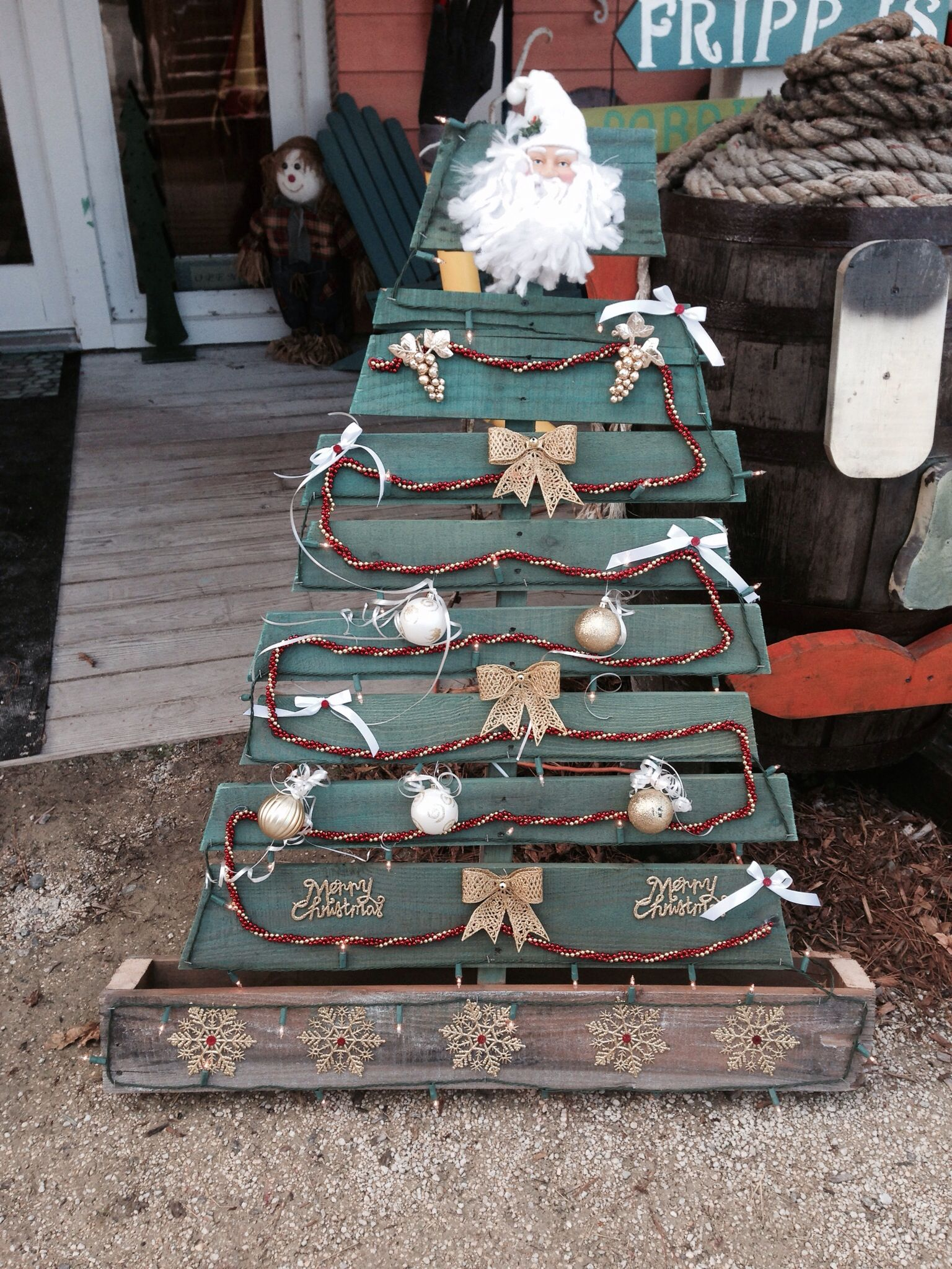 Pallet Art Christmas Tree | Pallet furniture | Pinterest