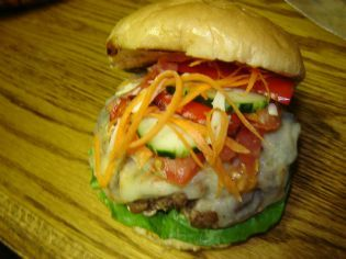 Let's go: un bon burger! - Check out this mouth-watering recipe from the Grill Up Summer Contest. Vote on your favourites or submit your own for a chance to win!