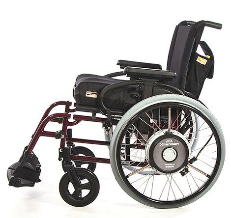 QUICKIE Xtender 휠체어 용 전동 액세서리는 추가 기능을 통해 수동 휠체어 사용자의 이동 범위를 확장합니다.  휠체어 액세서리, 수동 휠체어, 휠체어