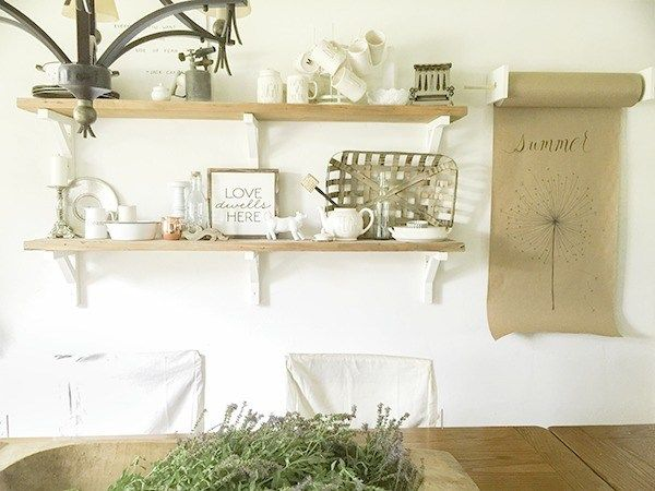 These 5 easy ways to add farmhouse style are perfect! You can style your home for less by following these 5 rules.