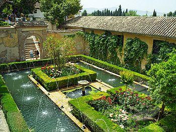 Spain andalucia granada gardens of the alhambra palace for Jardin de gomerez granada