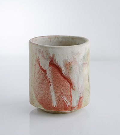 Gary Wood is making some fantastic pots in the UK! www.garywoodceramics.co.uk