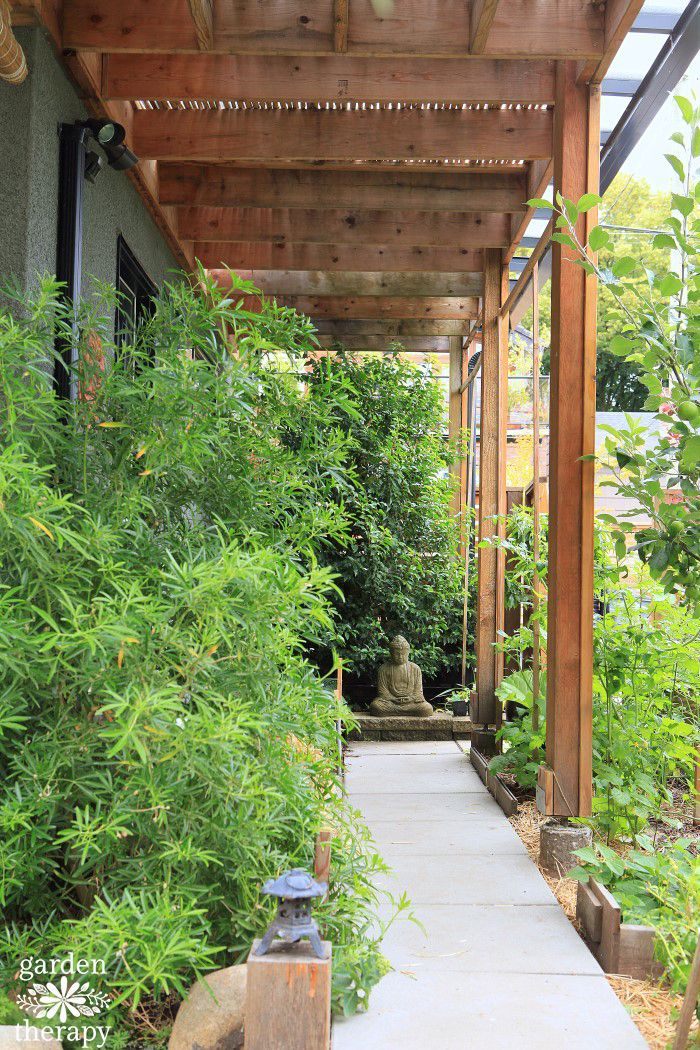 Walkway Garden By A Studio To A Small Meditation Space. Come Tour Some  Quirky And