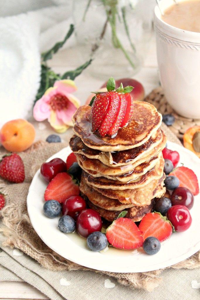 The best vegan & gluten free pancake recipe you'll ever try!