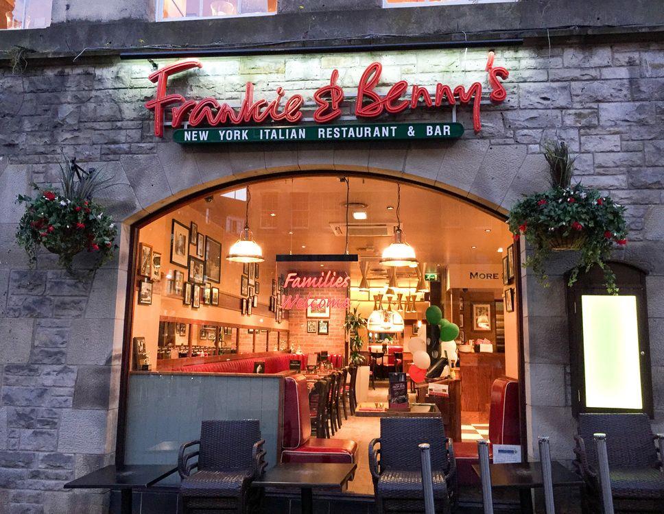Nice restaurant Frankie & Benny's in Edinburgh Scotland.  #frankieandbennys #restaurant #goodfood #edinburgh #scotland #landofthebrave #travel #traveling #hiking #vacation #visiting #instatravel #instago #instagood #trip #holiday #photooftheday #fun #travelling #tourism #tourist #instapassport #instatraveling #mytravelgram #travelgram #travelingram #igtravel #solo #travelingalone #schottland