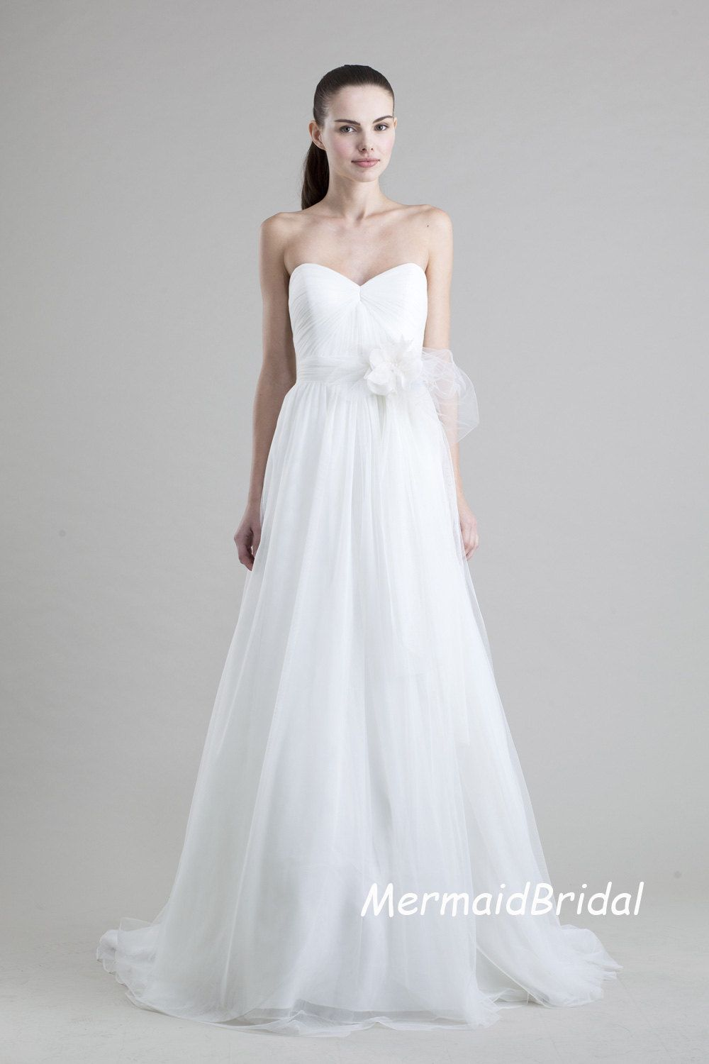 Simple tulle wedding dress, Paramount Wedding Designs and Events ...