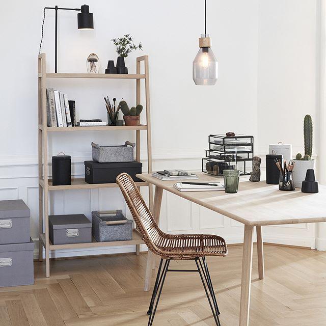 korbstuhl ein etwas anderer schreibtischstuhl h bsch interior nat rlich wohnen mit korb. Black Bedroom Furniture Sets. Home Design Ideas
