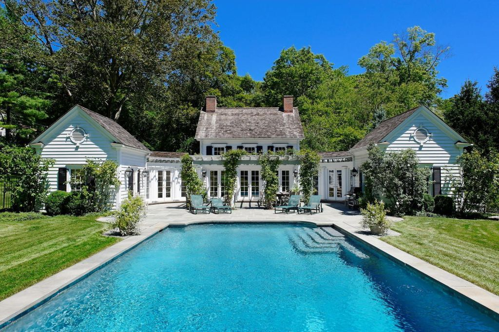 homes for sale in montgomery al with pool