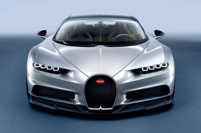 2017 Bugatti Chiron Front End Por Alfonso Irene
