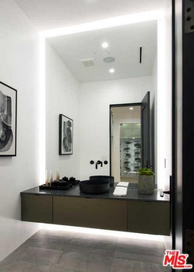 Bathroom Designs · 3416 BEETHOVEN Street, Los Angeles,
