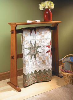 Craftsman-Style Quilt Rack | Woodsmith Plans | Quilt Racks ... : portable quilt hangers - Adamdwight.com