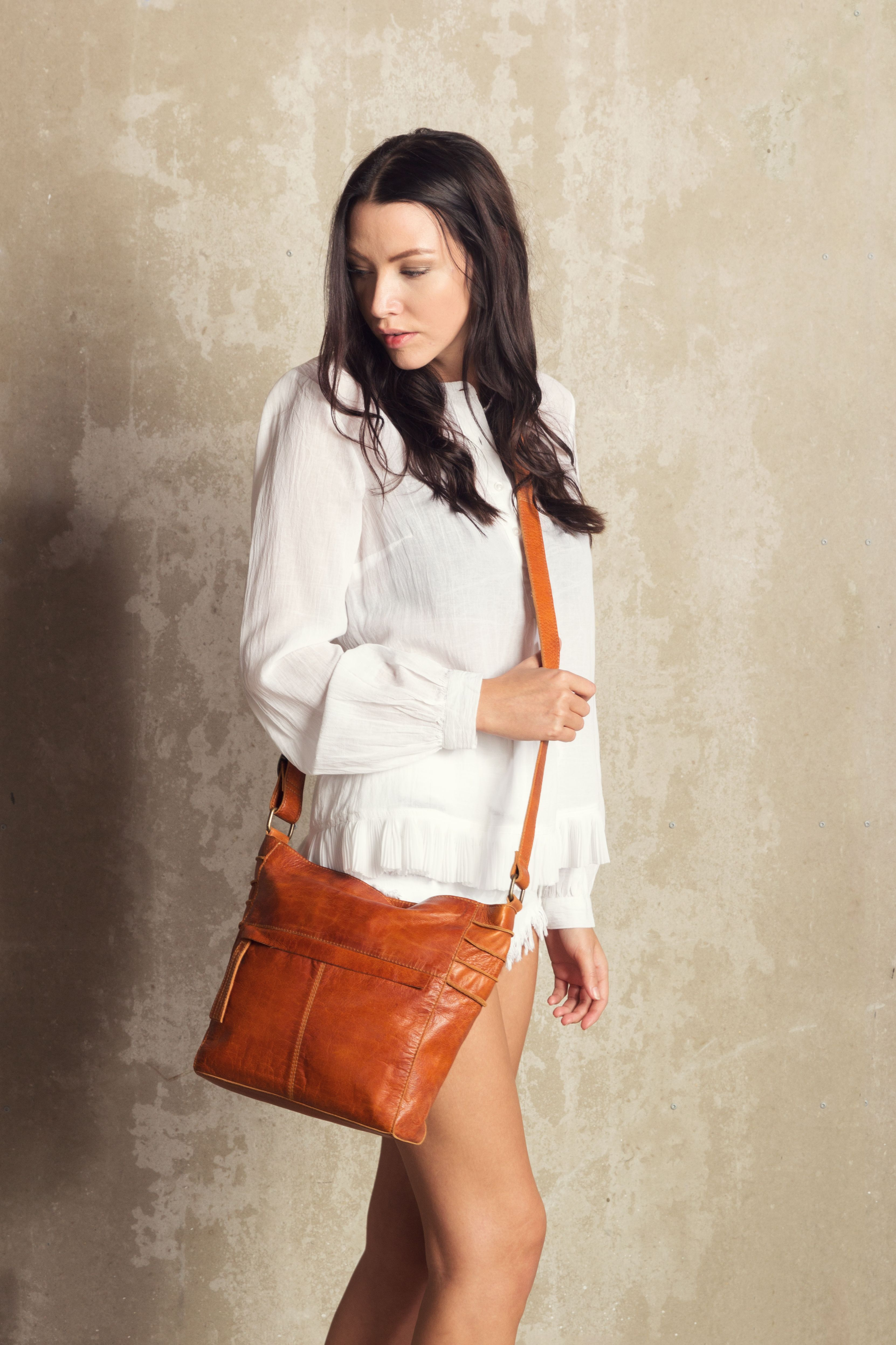 27370d74 Pin av Huset i Svingen Grete Sandal på DIXIE  skinnvesker-leatherbags-crossover | Mini skirts, Leather Skirt og Fashion
