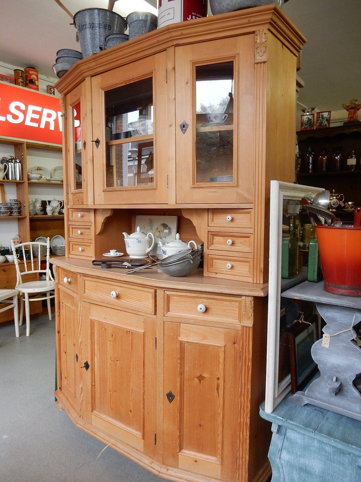 Antiek Grenen Winkelkast.Wit Grenen Buffetkast