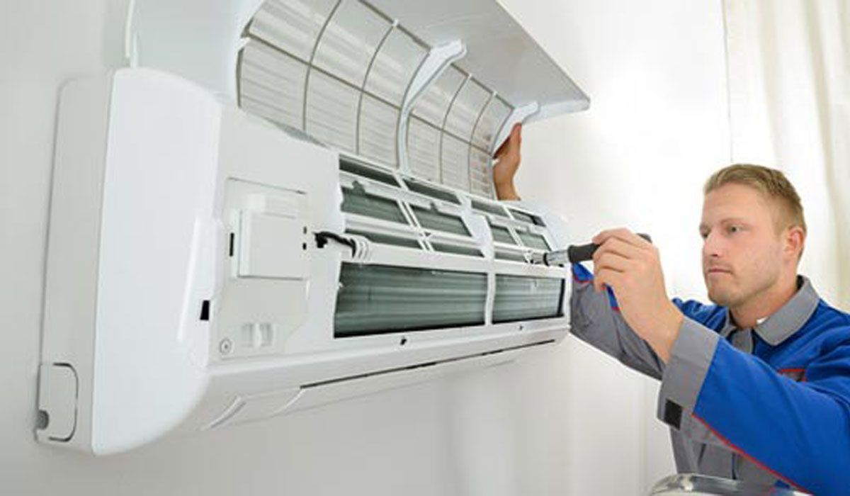 Simple Air Conditioner Maintenance Tips To Save Energy And Budget Air Conditioning Installation Air Conditioning Services Air Conditioner Repair