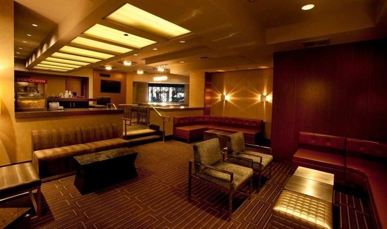 Hotel Deal Checker - Hilton Palm Springs Resort