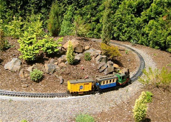 Maybe I'll make mine a Zen Train Garden  | Garden Trains
