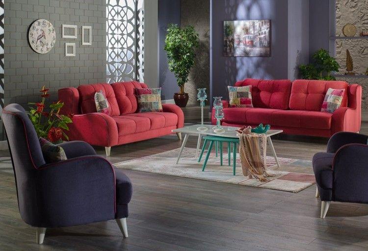Lavendellila und Steingrau - Wandfarben zu roter Couch ...