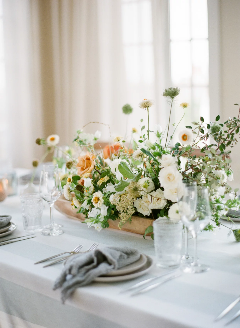 A Seaside Garden Party With Celestial Accents In Cape Cod Massachusetts In 2020 Seaside Garden Wedding Planner Course Celestial Wedding
