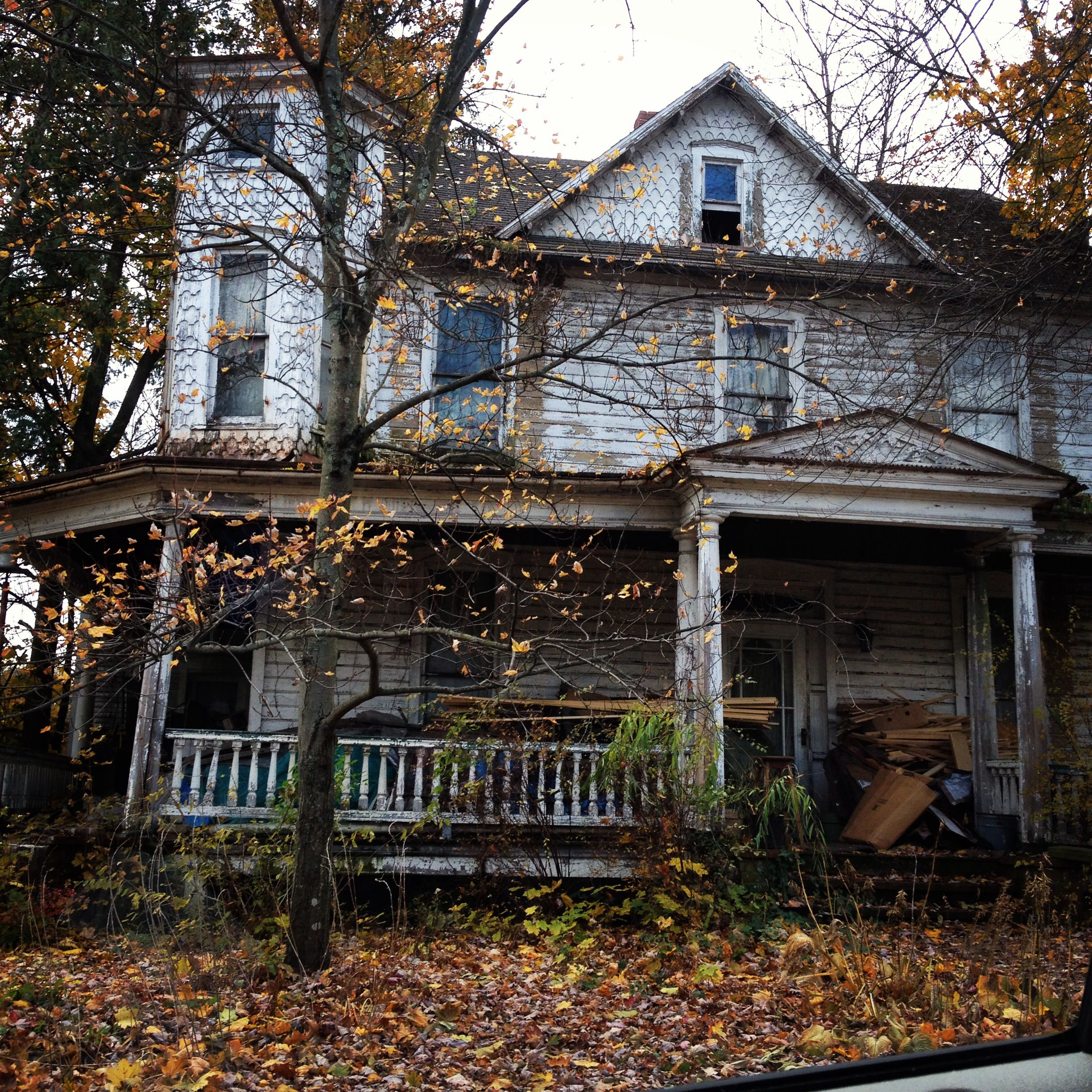 Beautiful Derelict House Abandoned Mansions Pinterest