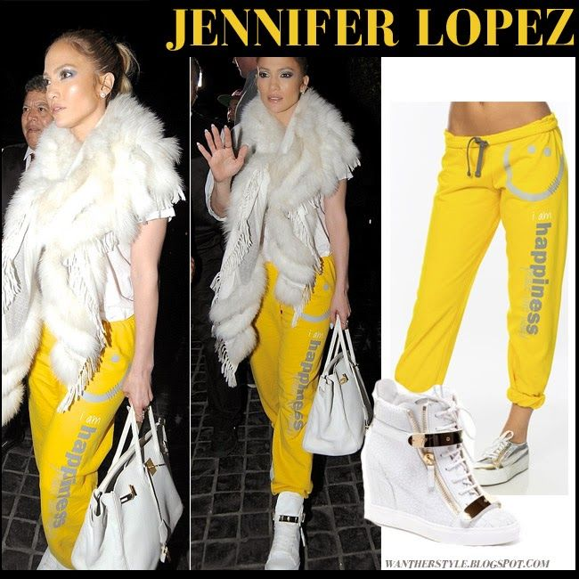 72178faf5453 Jennifer Lopez in yellow sweatpants