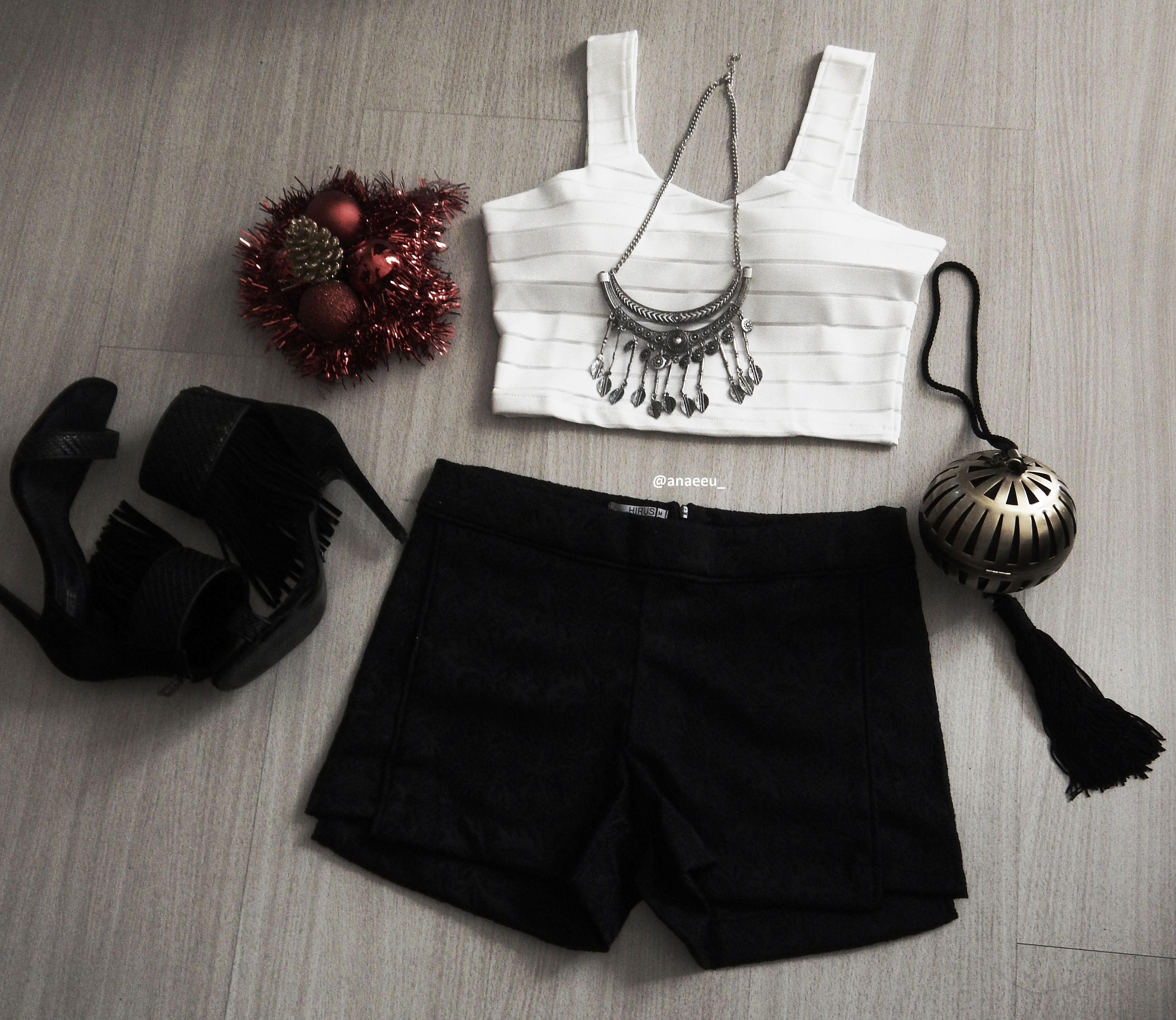 Look do dia #temfesta #pretinho basico #comoir #comanaeeu @anaeeu_ Cropped (R$ 40) Shorts (R$ 50)